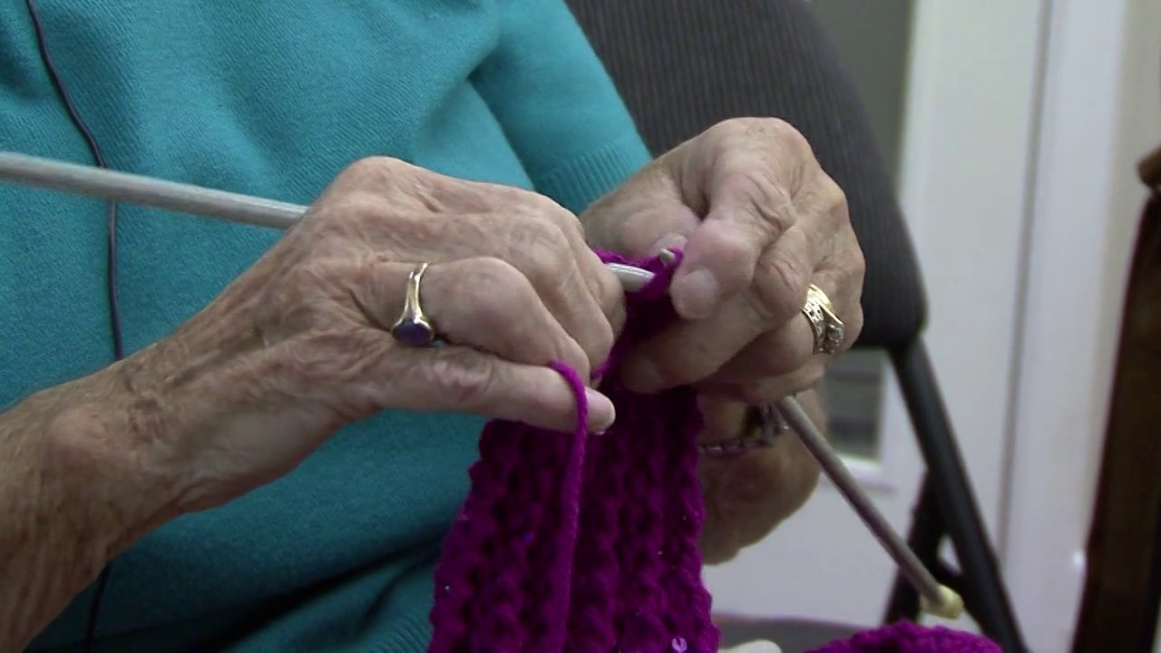 FILM – Knit and Natter